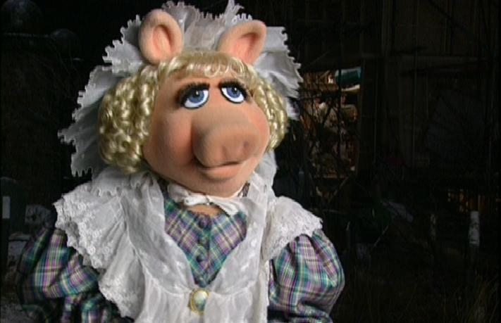 miss_piggy_as_emily_cratchit.jpg