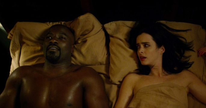 luke-cage-in-bed